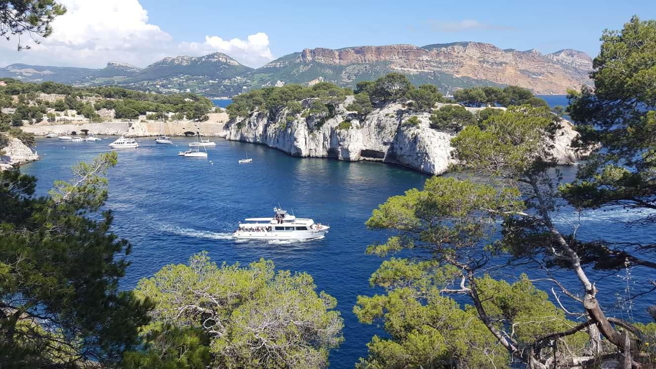 Entdecken Sie die Calanques de Cassis mit dem Boot