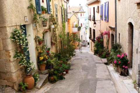 Die hochgelegenen Dörfer der Umgebung : Le Castellet / La Cadière / Le Beausset